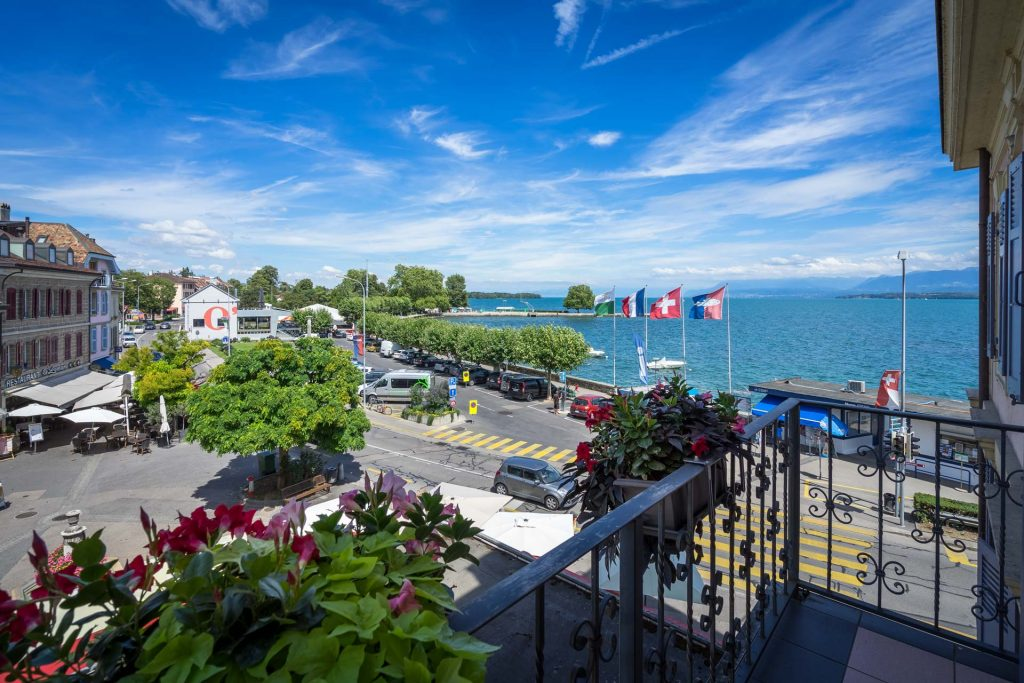 Hotel Le Rive Nyon mit Blick auf den Genfersee